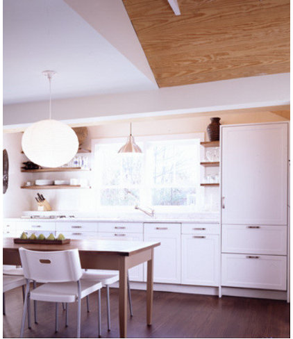 Traditional Kitchen by CWB Architects