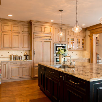 Traditional kitchen in Cleveland Ohio