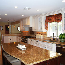 Traditional Kitchen by US Kitchens & Baths