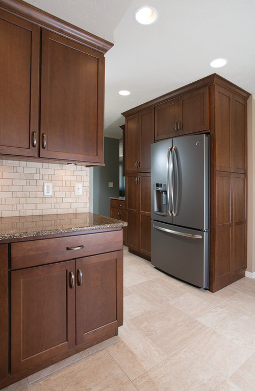 Oil Rubbed Bronze Hardware On Dark Wood Cabinets Pics