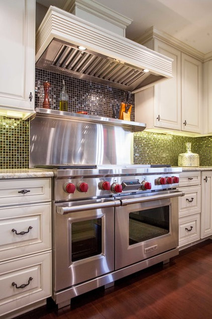 Traditional Kitchen by UB Kitchens