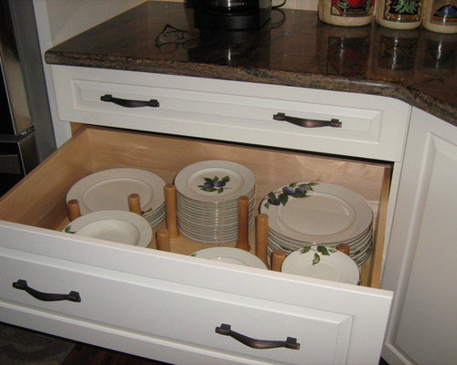 Traditional Kitchen Idea In Chicago