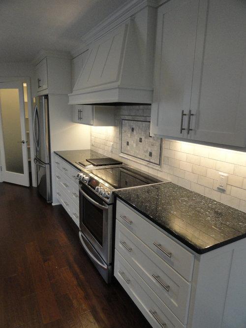 Traditional Kitchen Idea In Minneapolis