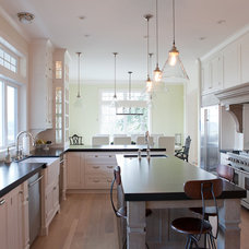 Traditional Kitchen by Jenny Baines, Jennifer Baines Interiors