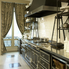 Traditional Kitchen by Jessica Lagrange