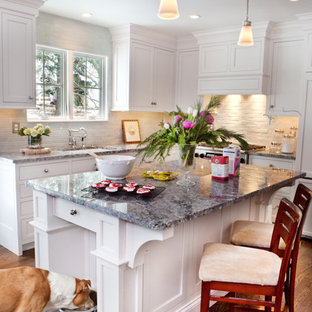 This is an example of a traditional kitchen in St Louis with granite benchtops.