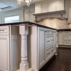 traditional kitchen by Kitchen Craft Cabinetry Vancouver
