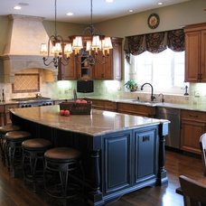Traditional Kitchen by Kristin Petro Interiors, Inc.