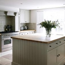 Traditional Kitchen by Laura Hammett Ltd