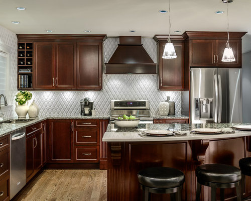 Elegant Inspiration For A Mid Sized Timeless L Shaped Enclosed Kitchen Remodel In  Vancouver With