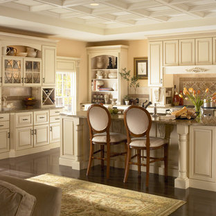 Exceptionnel Example Of A Classic Kitchen Design In Columbus