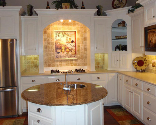 Kitchen   Traditional Kitchen Idea In Other