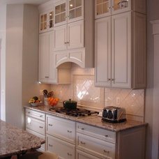 Traditional Kitchen by Marty Galvanek