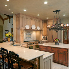 traditional kitchen by Andrew Melaragno, AIBD