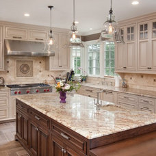 Traditional Kitchen by NARI of Central Ohio