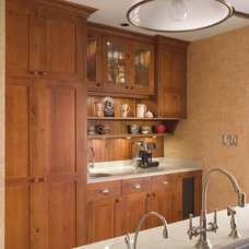 Traditional Kitchen by Lonetree Kitchens and Bathrooms