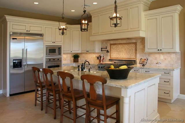 Traditional Kitchen by OTM Designs & Remodeling Inc.