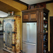Traditional Kitchen by Accents of Salado