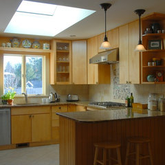 traditional kitchen by Peregrine Design Build