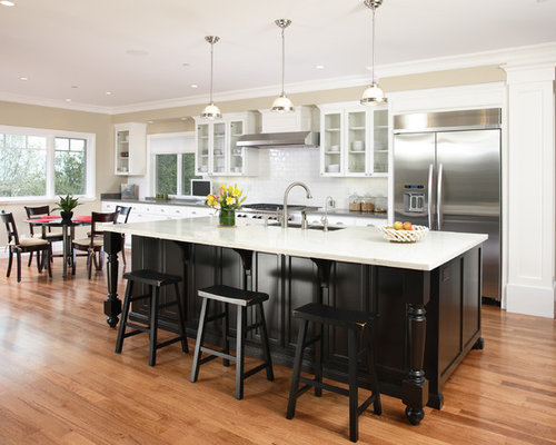 Contrasting kitchen island houzz for Kitchen cabinets houzz