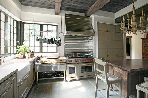 Farmhouse Kitchen by Pursley Dixon Architecture