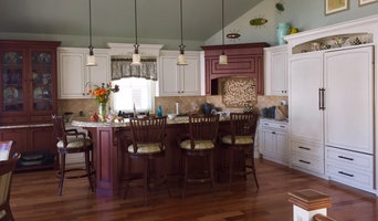 Traditional Kitchen | Red & White
