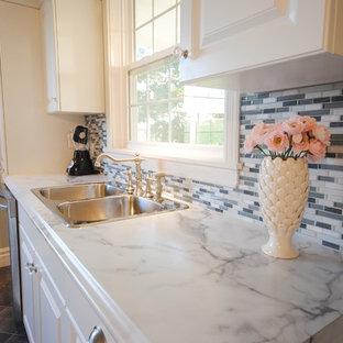 Пример оригинального дизайна интерьера: кухня в классическом стиле