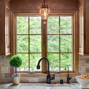This is an example of a traditional kitchen in Milwaukee.