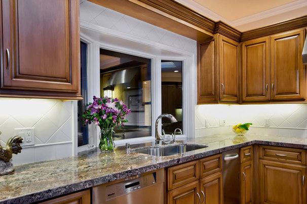 Traditional Kitchen by Bill Fry Construction - Wm. H. Fry Const. Co.