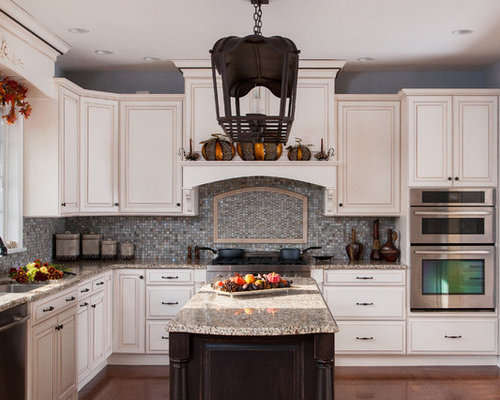 Staggered Cabinets | Houzz