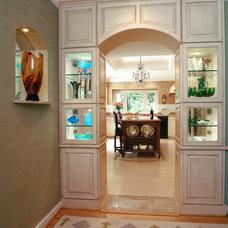 Traditional Kitchen by Chandra Stone, Interior Design