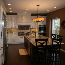 Traditional Kitchen by DreamMaker Bath and Kitchen