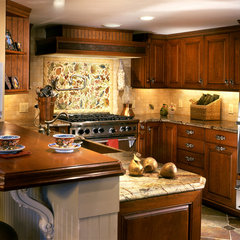 traditional kitchen by Kitchen Expressions, Summit, NJ