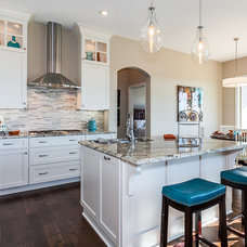 Traditional Kitchen by Ritchie Development