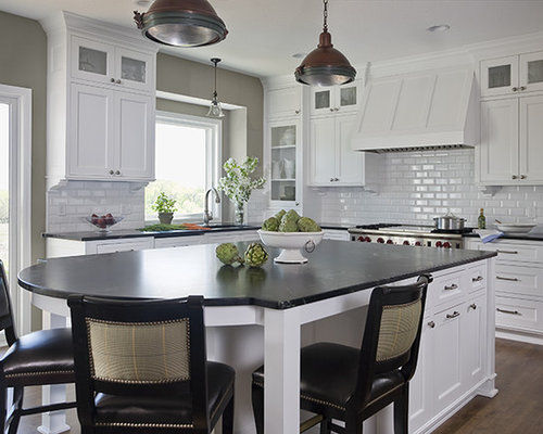 Example Of A Mid Sized Classic U Shaped Eat In Kitchen Design In