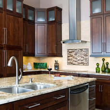 Traditional Kitchen by Decorating Den Interiors - Susan Sutherlin