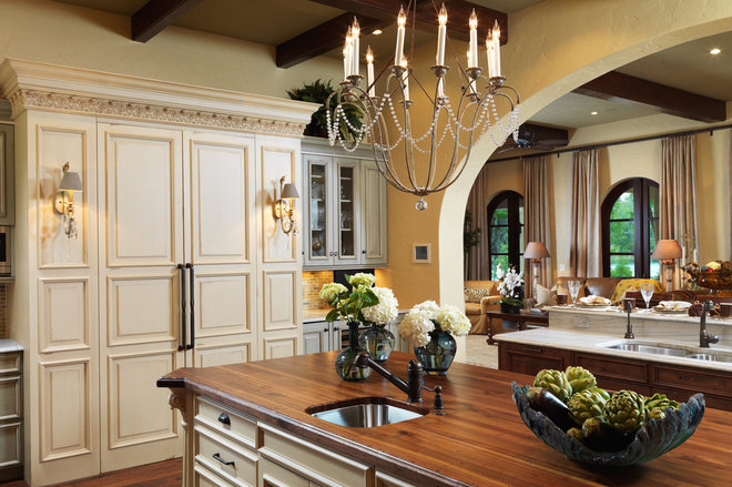 Traditional Kitchen by The Fechtel Company