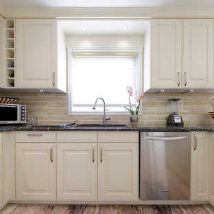 Traditional Kitchen - Thornhill