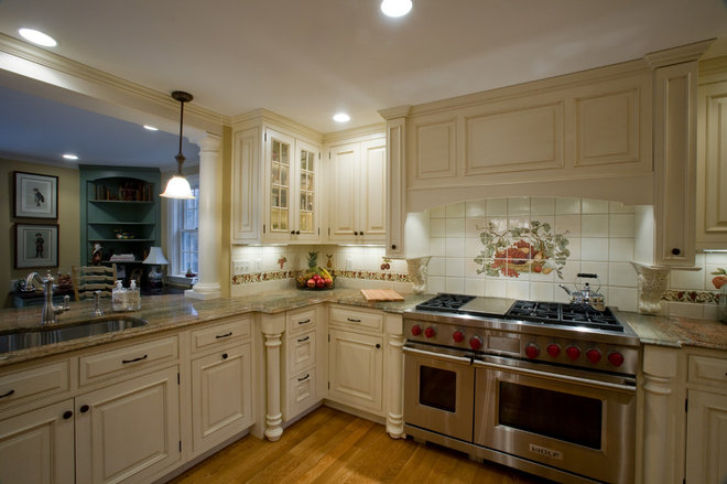 Traditional Kitchen by Kitchens By Design, Inc.