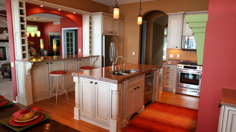 Traditional kitchen with Contemporary paint accents