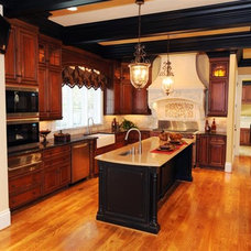 Traditional Kitchen by HOUCK Residential Designers