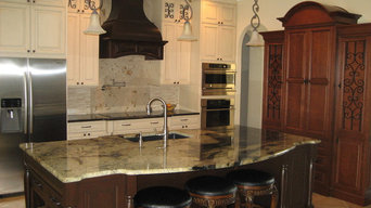 Traditional Kitchen with Oversized Island