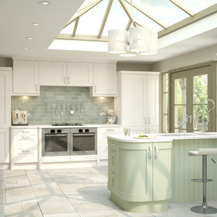Traditional kitchen ideas - Example of a classic kitchen design in London