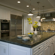 Traditional Kitchen by Zuniga Interiors