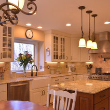 Traditional Kitchen by Beckony Kitchens & Baths