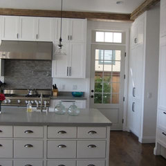 traditional kitchen by Brunskill Construction