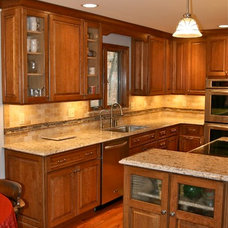 Traditional Kitchen by Callier & Thompson Kitchens, Baths and Appliances