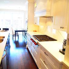 Traditional Kitchen by BiglarKinyan Design Planning Inc.