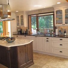 Traditional Kitchen by Matt White, Neil Kelly Company