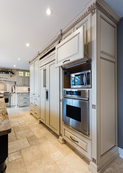 American Traditional Kitchen by Hawthorne Kitchens